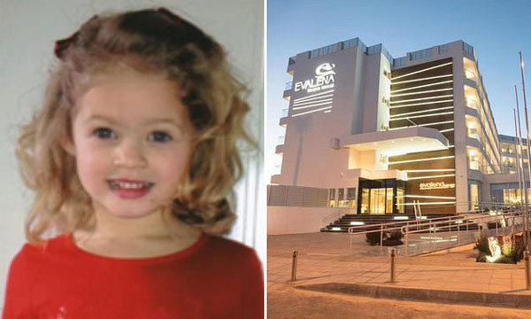 Người mẹ mải nghe điện thoại không để ý đến xung quanh, chỉ 5 phút sau bi kịch ập đến với cô con gái nhỏ 4 tuổi-1