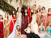 Đêm tiệc giới siêu giàu gây chú ý với màn ra mắt của 19 tiểu thư lá ngọc cành vàng, nổi bật nhất lại là cô gái châu Á này