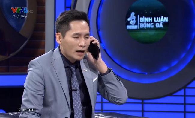 BTV Quốc Khánh cũng ngồi dự bị như Bùi Tiến Dũng trong chương trình bình luận trước trận U22 Việt Nam vs U22 Singapore-2