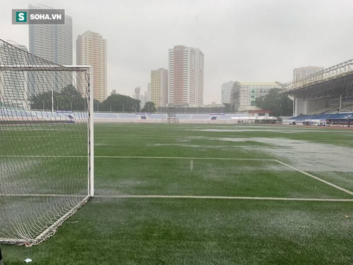 Sân bóng SEA Games ngập sũng nước trước giờ G, tiềm ẩn nguy cơ lớn cho U22 Việt Nam-4