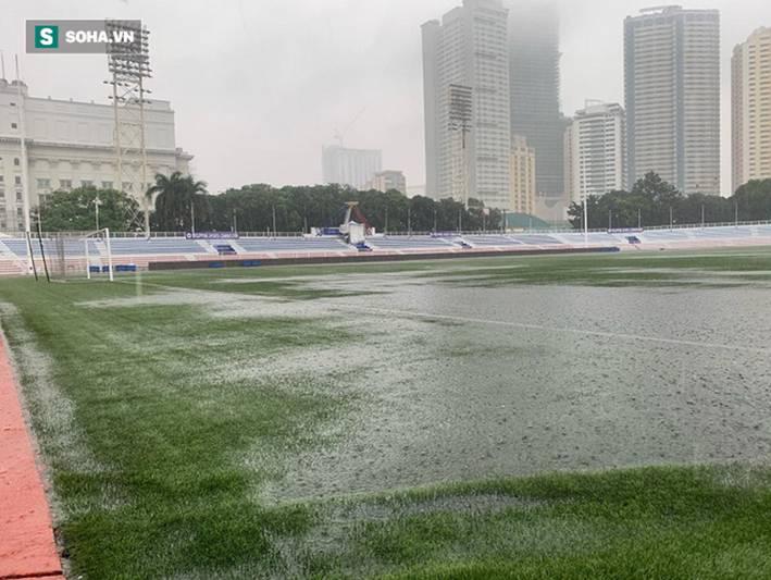 Sân bóng SEA Games ngập sũng nước trước giờ G, tiềm ẩn nguy cơ lớn cho U22 Việt Nam-5