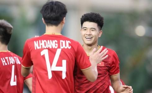 U22 Việt Nam vs Singapore: Bùi Tiến Dũng dự bị-3