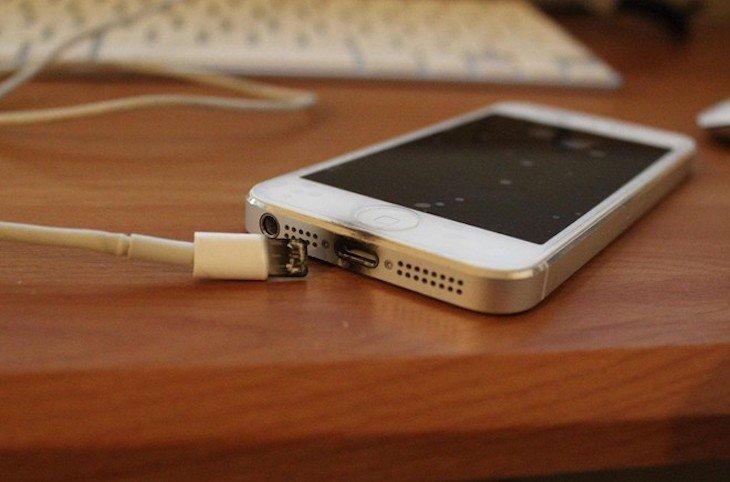 Hà Nội: Bé gái 12 tuổi tự tử tại nhà, xem điện thoại phát hiện dấu vết trang web lạ-1