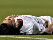 Quang Hải rời sân sau pha va chạm với cầu thủ Singapore