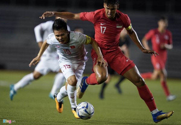 Quang Hải bị đau rời sân sau gần 20 phút gặp Singapore-2