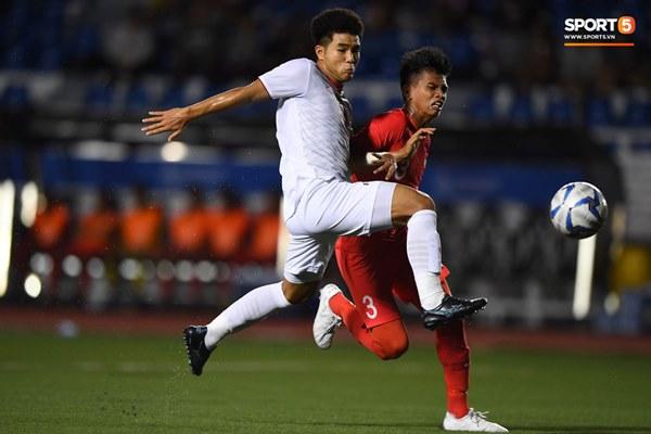 Chùm ảnh đẹp những pha không chiến của Việt Nam ở trận thắng kịch tính Singapore-3