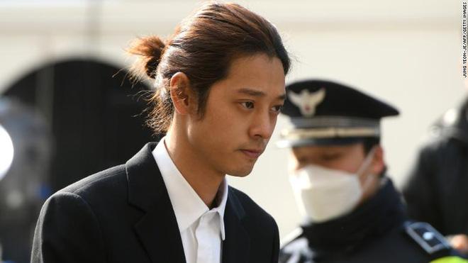 KBS công bố chi tiết tin nhắn, ảnh, video bệnh hoạn của Jung Joon Young, 67 trang kéo mãi không hết-1
