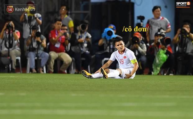 Loạt ảnh chế đội tuyển Việt Nam nở rộ sau trận gặp Singapore: Quang Hải, Chinh Đen cùng loạt biểu cảm không thể nào đắt giá hơn!-5