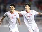 Thủ môn U22 Việt Nam bĩu môi sau pha bắt bóng lập bập, hai lần khiến CĐV thót tim trong trận thắng Singapore-14