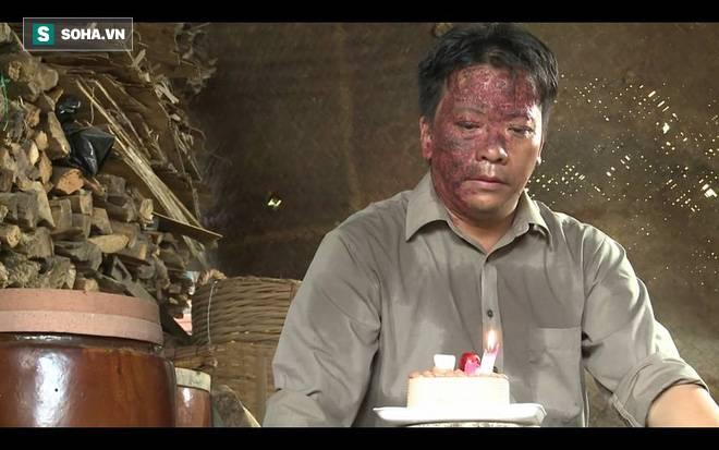 Nghệ sĩ Minh Hòa chạy xe ôm lấy tiền nuôi gia đình: Bị khách chửi, tôi tủi thân rơi nước mắt-2