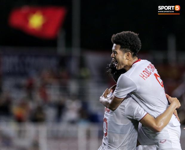 Ăn gian nhưng bị Đức Chinh phát hiện, cầu thủ Singapore gián tiếp khiến đội nhà thua đau-1