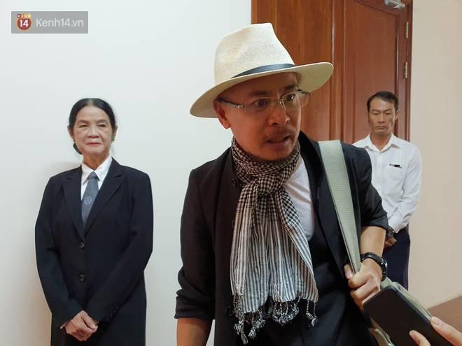 Bà Thảo tiếp tục nói HĐXX đang xử ép, ông Vũ chia sẻ: Nếu đúng luật cha mẹ qua phải 50% lận, cô ấy nói giống như chồng mình đi ở đợ-7