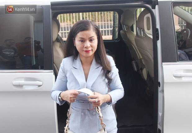 Bà Thảo tiếp tục nói HĐXX đang xử ép, ông Vũ chia sẻ: Nếu đúng luật cha mẹ qua phải 50% lận, cô ấy nói giống như chồng mình đi ở đợ-9