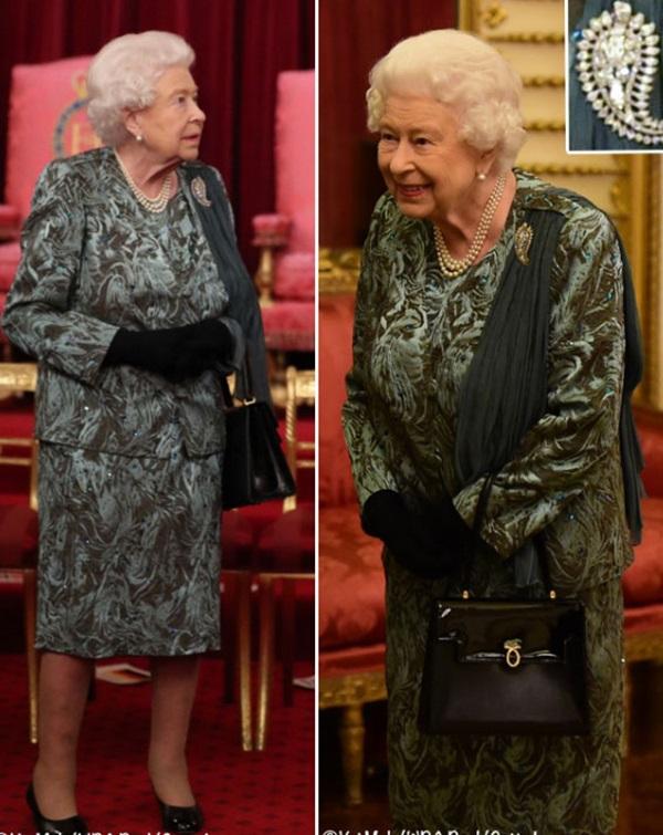 """Diện váy 30 triệu đồng, Công nương Kate cân"""" cả Hoàng gia Anh, đọ sắc với Đệ nhất phu nhân Mỹ-4"""