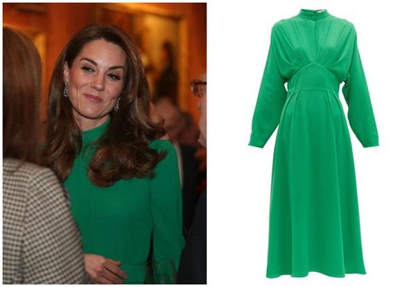 """Diện váy 30 triệu đồng, Công nương Kate cân"""" cả Hoàng gia Anh, đọ sắc với Đệ nhất phu nhân Mỹ-5"""
