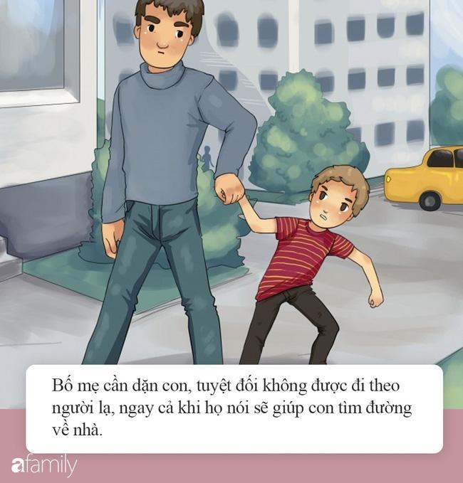 Hà Nội xuất hiện đối tượng mặc đồ đen cầm tiền lẻ và đồ chơi đứng trước cổng trường nghi dụ dỗ trẻ em, phụ huynh hết sức cảnh giác-6