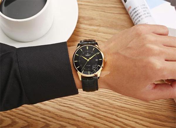 Thế Giới Di Động bán đồng hồ ưu đãi sốc: Mua 2 tính tiền 1-3