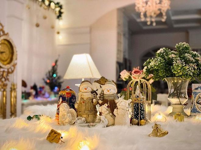 Biệt thự vợ chồng Thúy Hạnh trang hoàng lung linh đón Noel-5