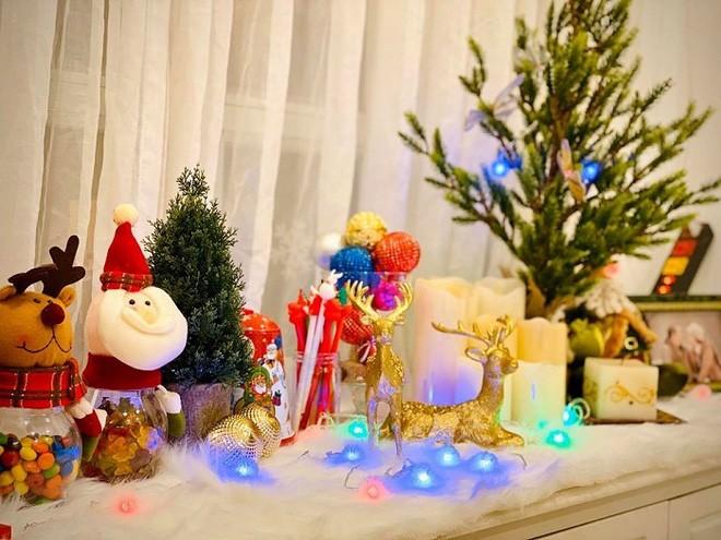 Biệt thự vợ chồng Thúy Hạnh trang hoàng lung linh đón Noel-8