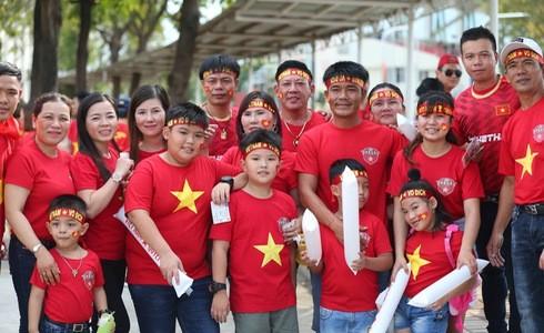 Việt Nam cho Thái Lan thành cựu vương sau trận hòa 2-2, tiến thẳng vào bán kết SEA Games với ngôi đầu bảng-16