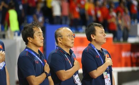Việt Nam cho Thái Lan thành cựu vương sau trận hòa 2-2, tiến thẳng vào bán kết SEA Games với ngôi đầu bảng-17
