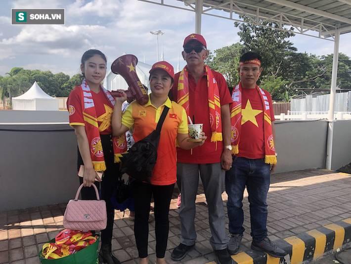 Fan Việt nhuộm đỏ SVĐ Binan, dự đoán chiến thắng áp đảo cho đội nhà-9