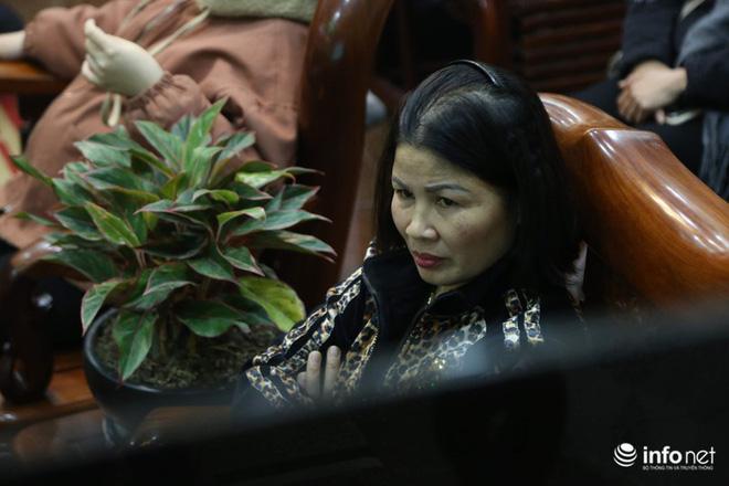 Phút trầm ngâm, lo lắng của các bậc sinh thành khi Quang Hải bị chấn thương-6