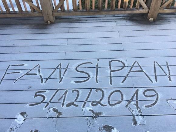 Băng tuyết đầu mùa phủ trắng đỉnh Fansipan, dự báo một mùa tuyết rơi đẹp đến ngỡ ngàng-1