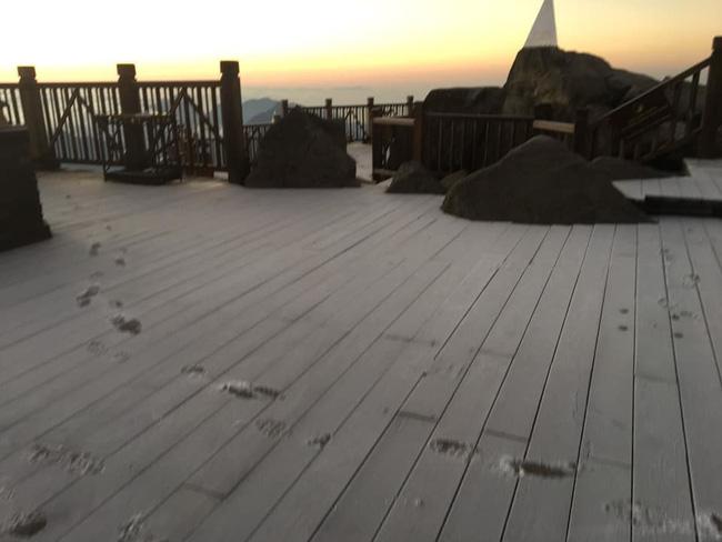 Băng tuyết đầu mùa phủ trắng đỉnh Fansipan, dự báo một mùa tuyết rơi đẹp đến ngỡ ngàng-10