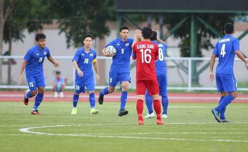 Việt Nam cho Thái Lan thành cựu vương sau trận hòa 2-2, tiến thẳng vào bán kết SEA Games với ngôi đầu bảng-13