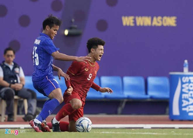 Việt Nam cho Thái Lan thành cựu vương sau trận hòa 2-2, tiến thẳng vào bán kết SEA Games với ngôi đầu bảng-6