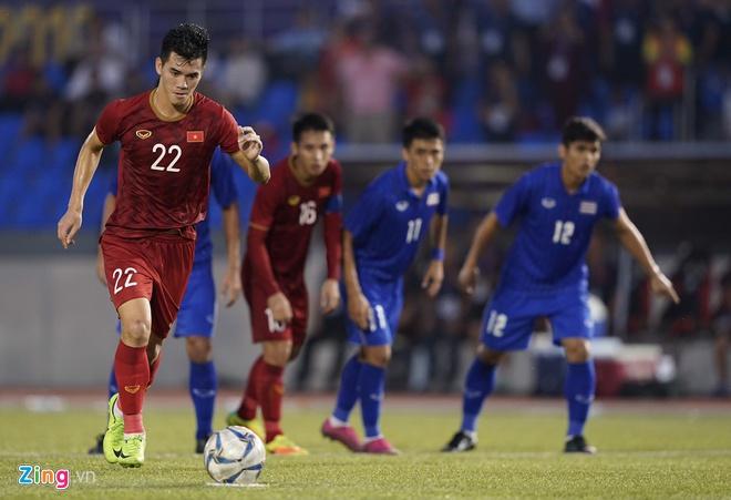Việt Nam cho Thái Lan thành cựu vương sau trận hòa 2-2, tiến thẳng vào bán kết SEA Games với ngôi đầu bảng-2