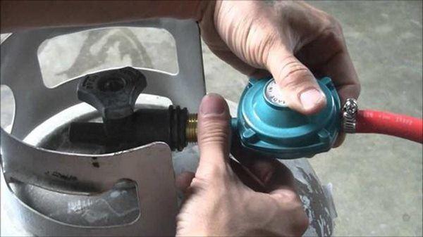 Bếp gas có tiếng kêu lục cục, mau chóng kiểm tra ngay kẻo cả nhà rước họa-4