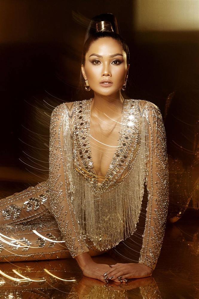 Bộ ảnh khép lại nhiệm kỳ Hoa hậu Hoàn vũ Việt Nam của HHen Niê-6