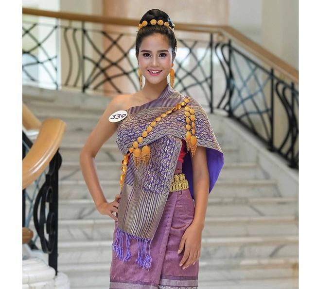 4 cô gái Lào hot ở Việt Nam mặc đồ truyền thống lẫn hiện đại đều thu hút-1