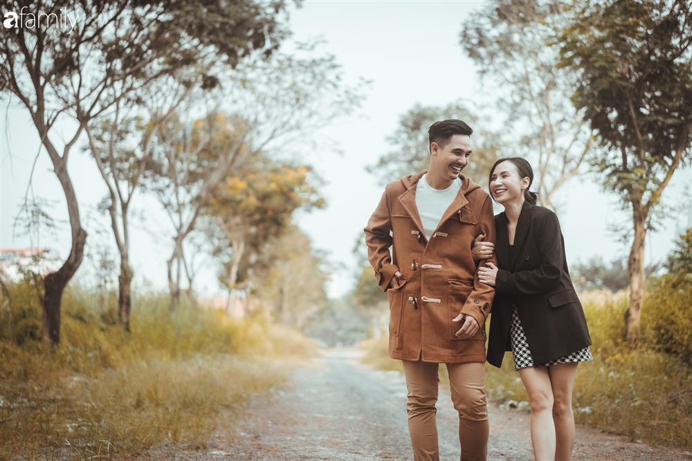 Gia đình Quỳnh Trâm - Baggio khoe bộ ảnh Sài Gòn se lạnh đẹp đến nao lòng, biểu cảm cực đáng yêu của 2 bé sinh đôi khiến ai cũng thích thú-4
