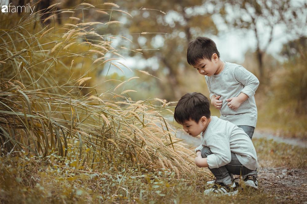 Gia đình Quỳnh Trâm - Baggio khoe bộ ảnh Sài Gòn se lạnh đẹp đến nao lòng, biểu cảm cực đáng yêu của 2 bé sinh đôi khiến ai cũng thích thú-7