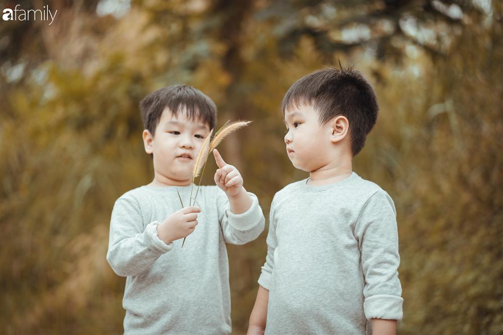 Gia đình Quỳnh Trâm - Baggio khoe bộ ảnh Sài Gòn se lạnh đẹp đến nao lòng, biểu cảm cực đáng yêu của 2 bé sinh đôi khiến ai cũng thích thú-17