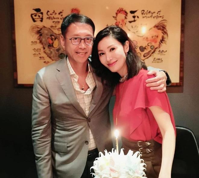 Hoa hậu đẹp nhất lịch sử Hong Kong: Bỏ tài tử nổi tiếng, lao vào các cuộc tình vật chất với đại gia-11