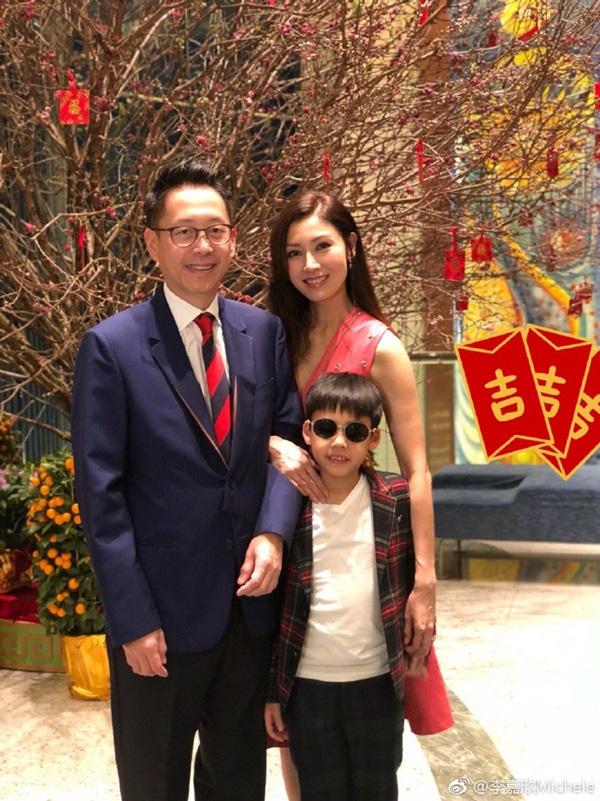 Hoa hậu đẹp nhất lịch sử Hong Kong: Bỏ tài tử nổi tiếng, lao vào các cuộc tình vật chất với đại gia-10