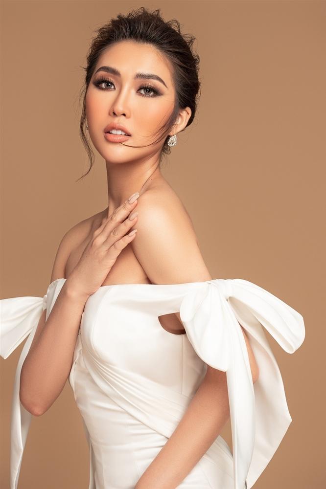Tường Linh khoe sắc vóc trước thềm chung kết Hoa hậu Hoàn vũ 2019-2