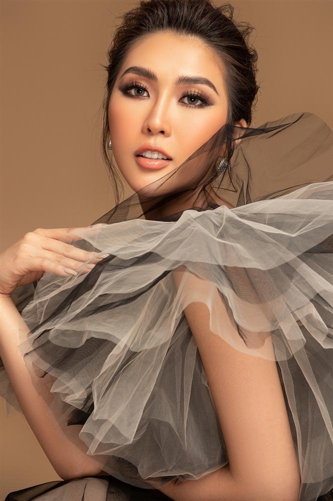 Tường Linh khoe sắc vóc trước thềm chung kết Hoa hậu Hoàn vũ 2019-4