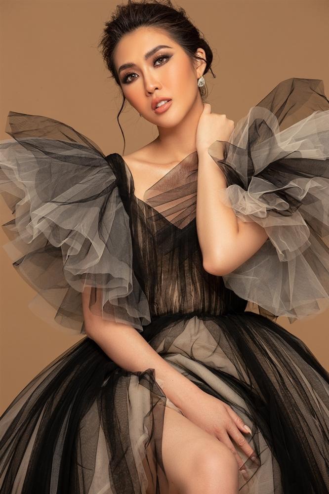 Tường Linh khoe sắc vóc trước thềm chung kết Hoa hậu Hoàn vũ 2019-7