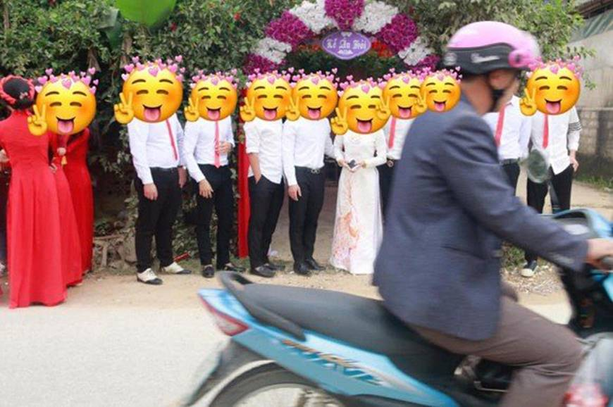 Chụp xong album đám cưới, nhiếp ảnh gia than thở suýt bị quan viên 2 họ cho... ăn đòn, nhưng nhìn xuống bức ảnh ai cũng phải gật gù: Đó là điều dễ hiểu thôi-2