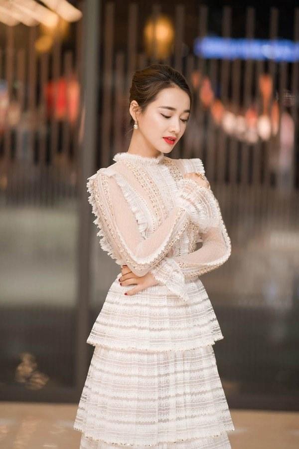 Việt Nam có Nhã Phương thì Hàn Quốc có Song Hye Kyo luôn ghi điểm với đồ trắng-1