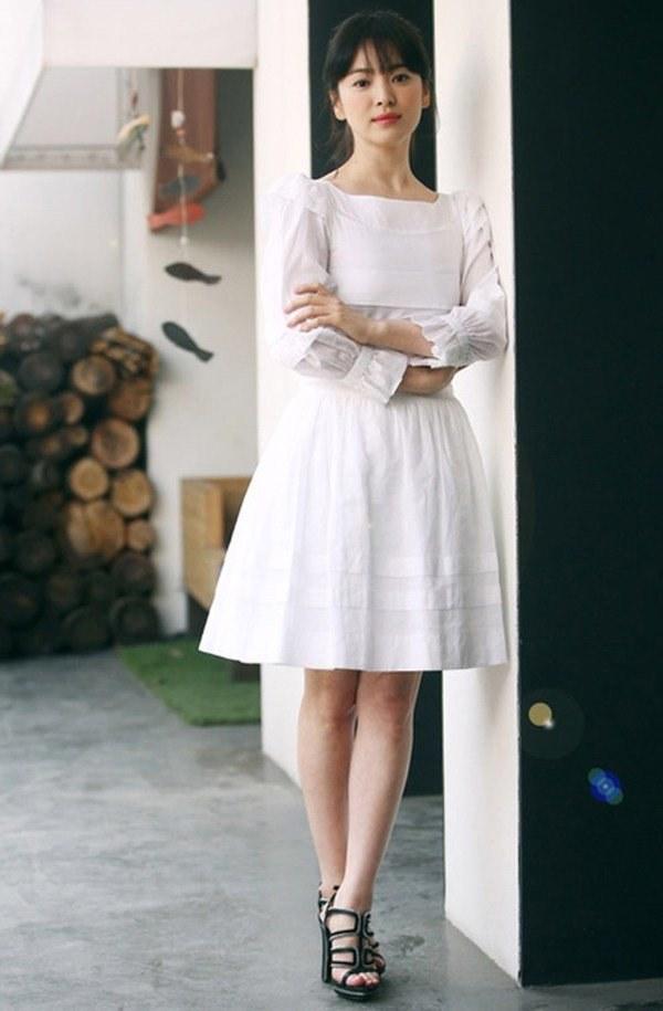 Việt Nam có Nhã Phương thì Hàn Quốc có Song Hye Kyo luôn ghi điểm với đồ trắng-5