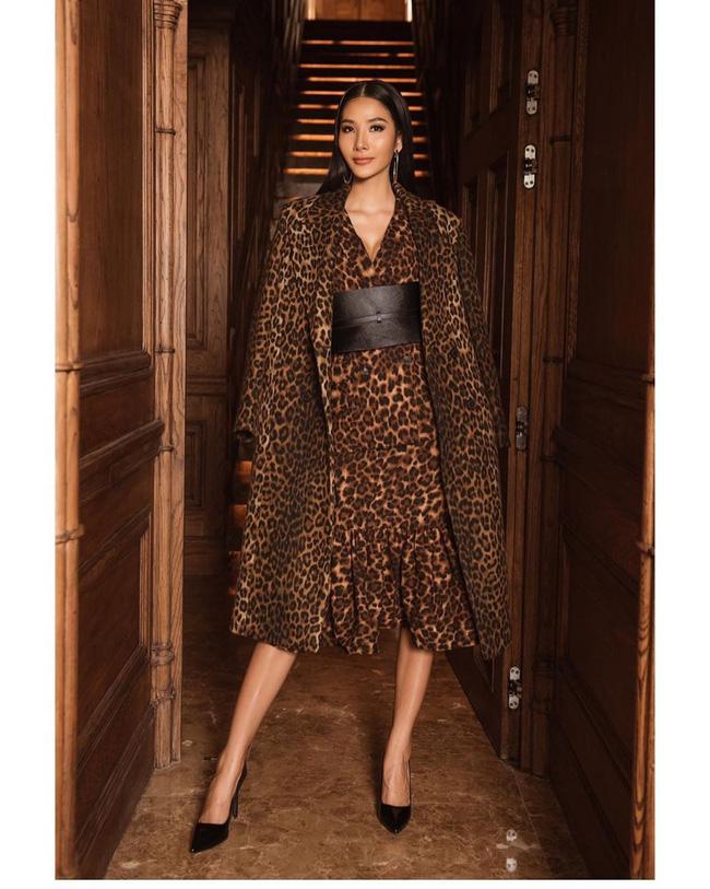 Hoàng Thùy tại Miss Universe 2019: Trang phục đầu tư đã đành, giày cao gót cũng chưa đôi nào đi lại lần 2 kể từ khi sang Mỹ-3