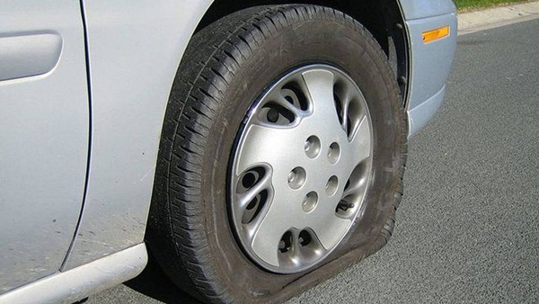 Lý do lốp dự phòng ô tô chỉ nên sử dụng trong thời gian ngắn-2