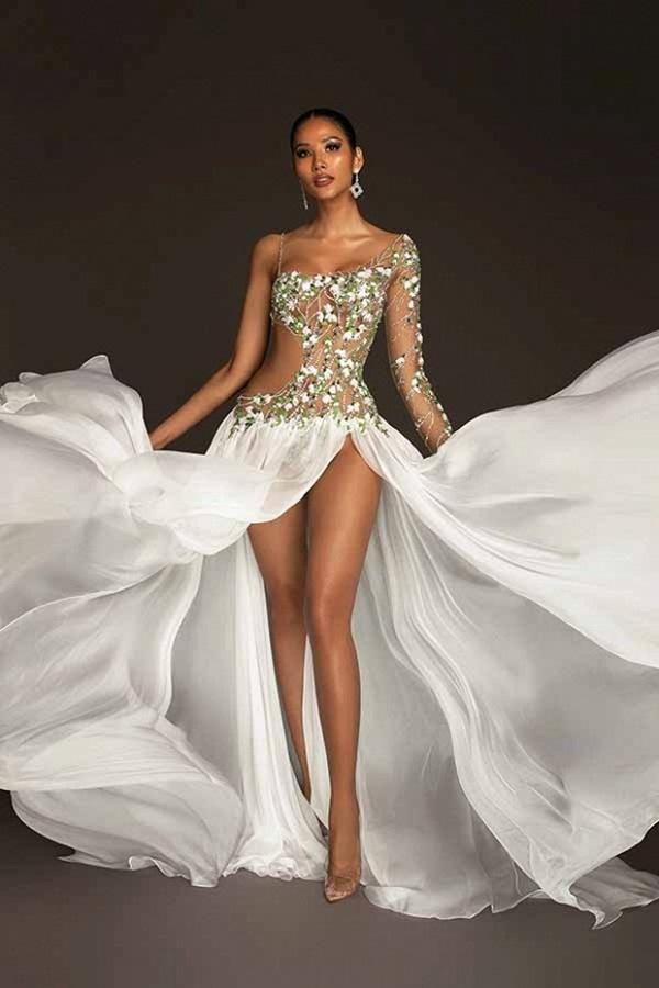 Trang phục dạ hội lấy cảm hứng từ giọt hoa tuyết của Hoàng Thuỳ tại Miss Universe 2019-1