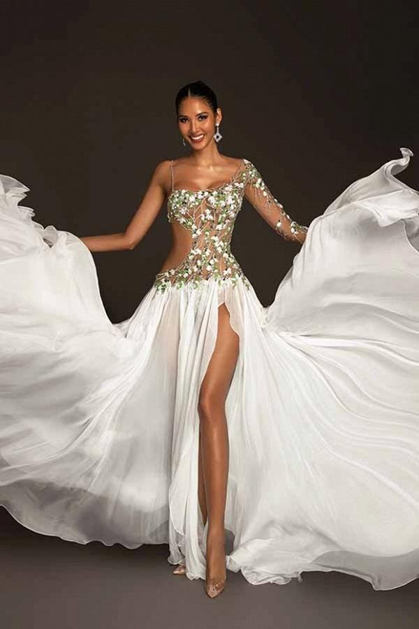 Trang phục dạ hội lấy cảm hứng từ giọt hoa tuyết của Hoàng Thuỳ tại Miss Universe 2019-6
